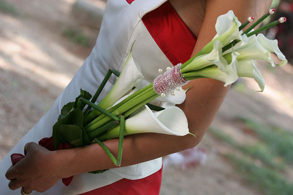 Lily-Calla-bridal-bouquet-in-Italy