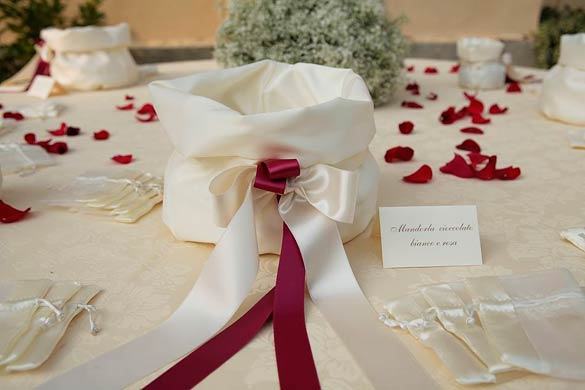 Red-Themed-Wedding-in-Piedmont-Italy