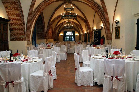 castleweddingreceptioninPiedmont Of course red Piemonte wine and great