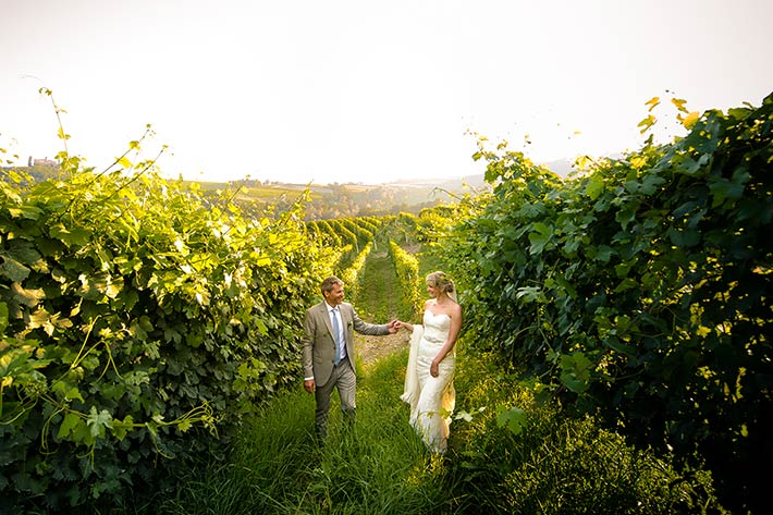 wedding photos in Barolo vineyards